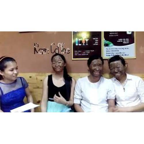 HOTGIRL TRẢI NGHIỆM LÀM ĐẸP BẰNG CÀ PHÊ NGUYÊN CHẤT TẠI RAINCOFFEE